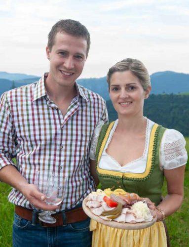 """Wir - Andrea und Rainer - sorgen für die Stärkung der """"Wanderlustigen"""""""